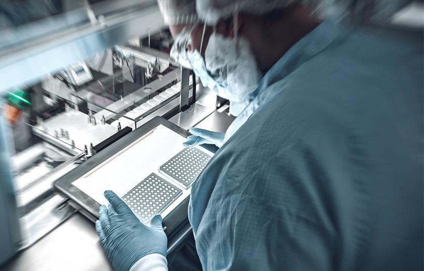 Plastic diagnostic components